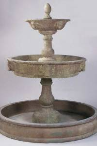 Antica Courtyard Outdoor Concrete Water Fountain