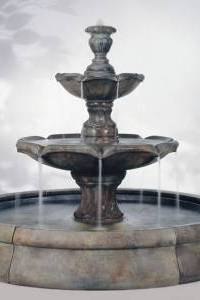 Finial Spill Outdoor Water Fountain in Crested Pool